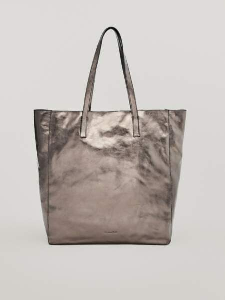 Grand sac cabas fourre-tout en cuir nappa métallisé doré, 129€, Massimo Dutti