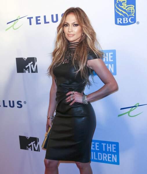 Jennifer Lopez a aussi craqué pour une robe Jean-Claude Jitrois, le 22 octobre 2014