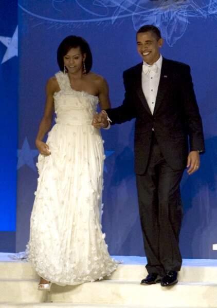 Michelle et Barack Obama, lors du bal d'investiture, à Washington, le 20 janvier 2009.