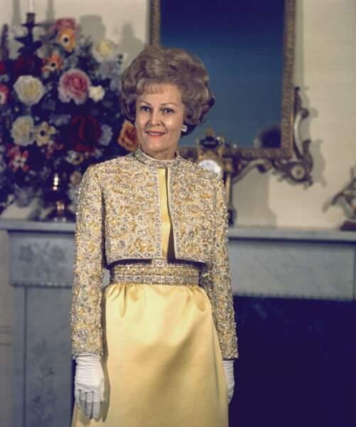 Patricia Nixon, dans un ensemble jaune pour le bal d'investiture, le 16 janvier 1969.