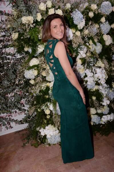 Anne-Claire Coudray en robe longue en velours signée Jean-Claude Jitrois