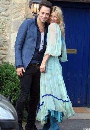 106ba807657 Kate Moss et Jamie Hince  la générale avant le mariage - Gala