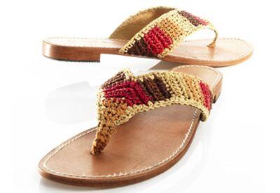 53962b8a97f a pensé aux modeuses bohèmes et écolos avec cette sandale minimaliste et  décontractée faite de matières naturelles. Semelle cuir buffle et lanière  en raphia ...