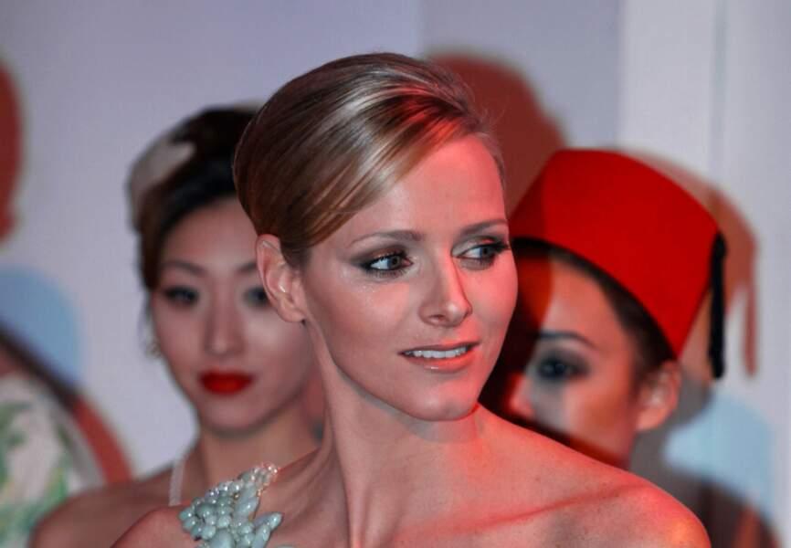 Charlène de Monaco : La future princesse s'inspire des icônes hollywoodiennes avec sa mise en beauté hitchcockienne