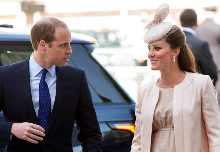 Regards complices entre Kate et William