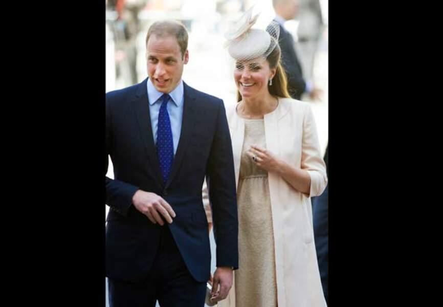 La duchesse tout sourire, enceinte de près de huit mois