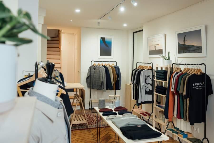 La boutique Hopaal à Biarritz située au 60 Avenue Edouard VII