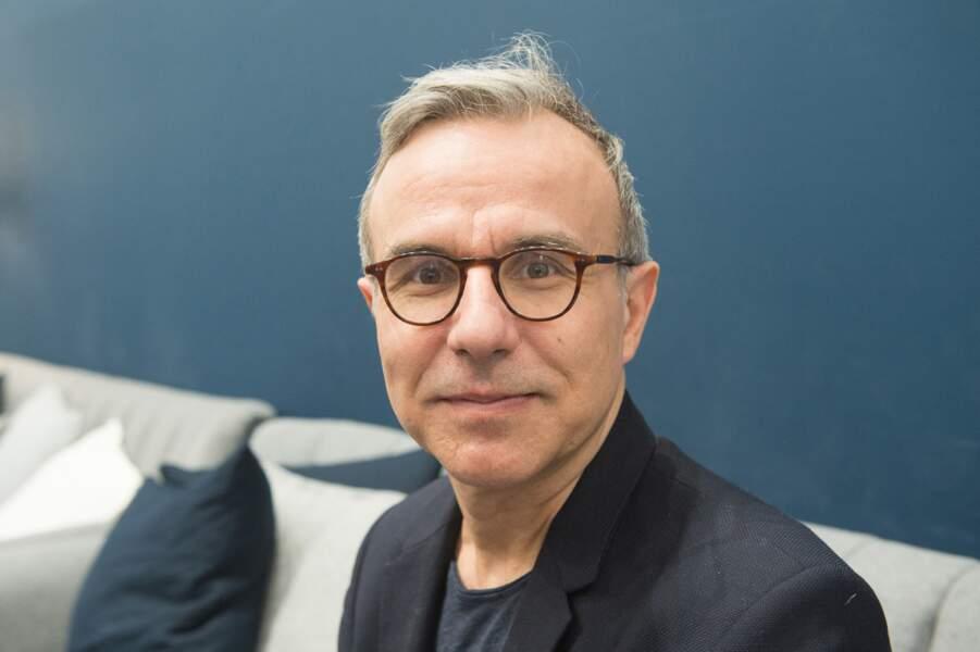 L'écrivain Philippe Besson, qui a été au côté d'Emmanuel Macron durant la campagne présidentielle de 2017, s'est aussi rapproché de son épouse.