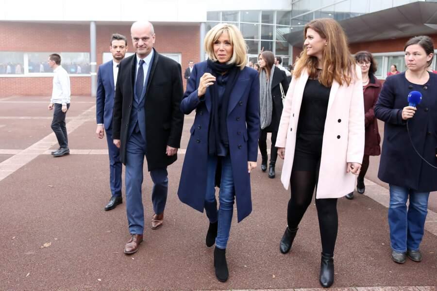 Brigitte Macron s'entend également très bien avec Marlène Schiappa, ancienne secrétaire d'Etat chargée de l'Egalité des femmes et des hommes, récemment promue au ministère de l'Intérieur.