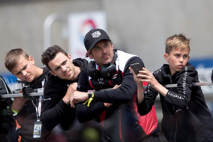 Ou encore, lorsque Patrick Dempsey s'accorde des moments de complicité avec ses fils, avec qui il partage une passion pour la course automobile.