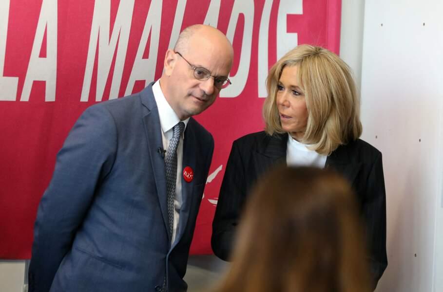 """C'est d'ailleurs Brigitte Macron elle-même qui l'a repéré, en novembre 2016, alors qu'il venait parler de son livre """"L'école de demain"""" sur les ondes d'Europe 1."""