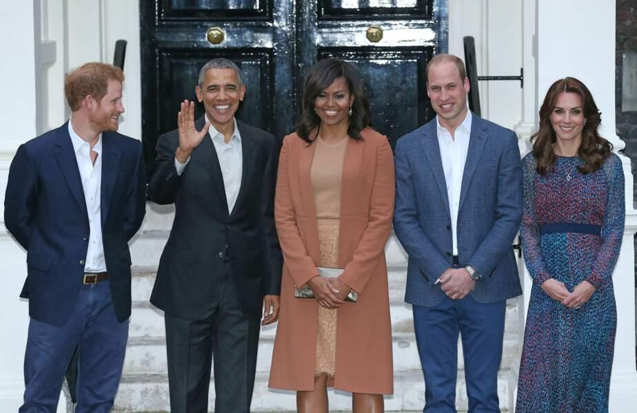 Le prince Harry a noué une solide relation avec le couple Obama lorsqu'il était au Royaume-Uni. Meghan Markle lui a emboité le pas, partageant de nombreux points communs avec Michelle Obama.