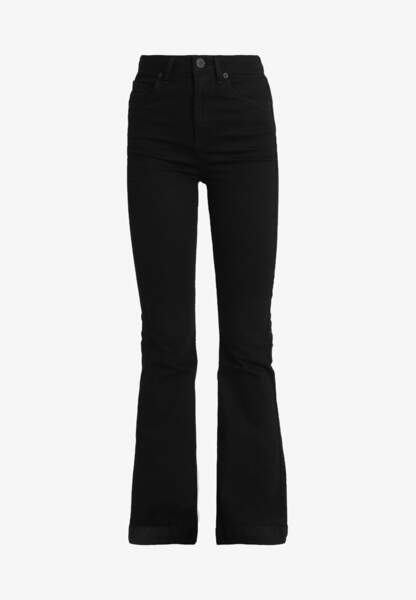 Jean flare, 59,95€, BDG Urban Outfitters sur Zalando
