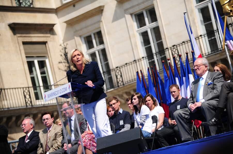 Marine Le Pen a pris la parole devant lui