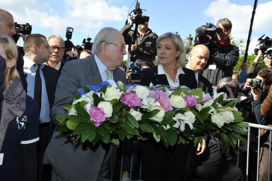 Jean-Marie et Marine Le Pen ont déposé une gerbe