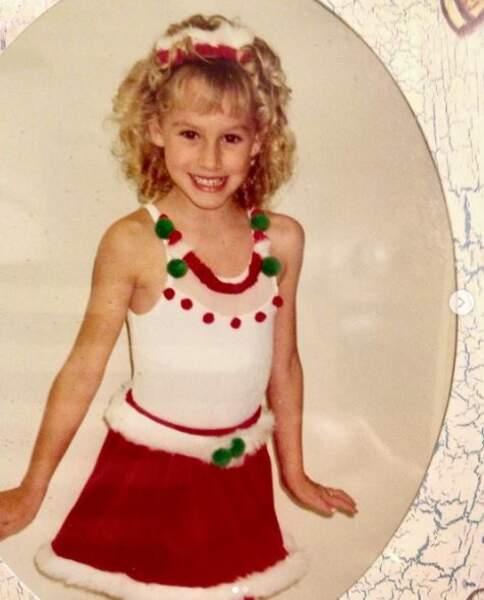Jazmin Grimaldi, enfant, trop mignonne avec ses cheveux blonds bouclés. Son père, le prince Albert II, la reconnaît officiellement en 2006