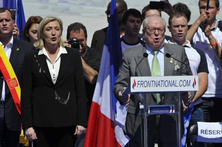 Jean-Marie et Marine Le Pen lors du rassemblement du FN