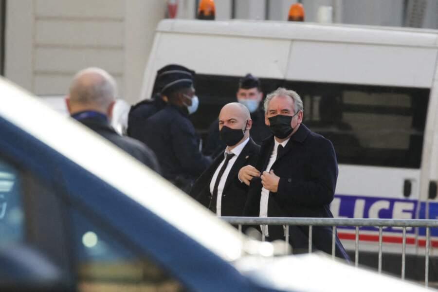 François Bayrou s'est rendu à l'église Saint-Sulpice dans le sixième arrondissement de Paris pour rendre un dernier hommage à Marielle de Sarnez
