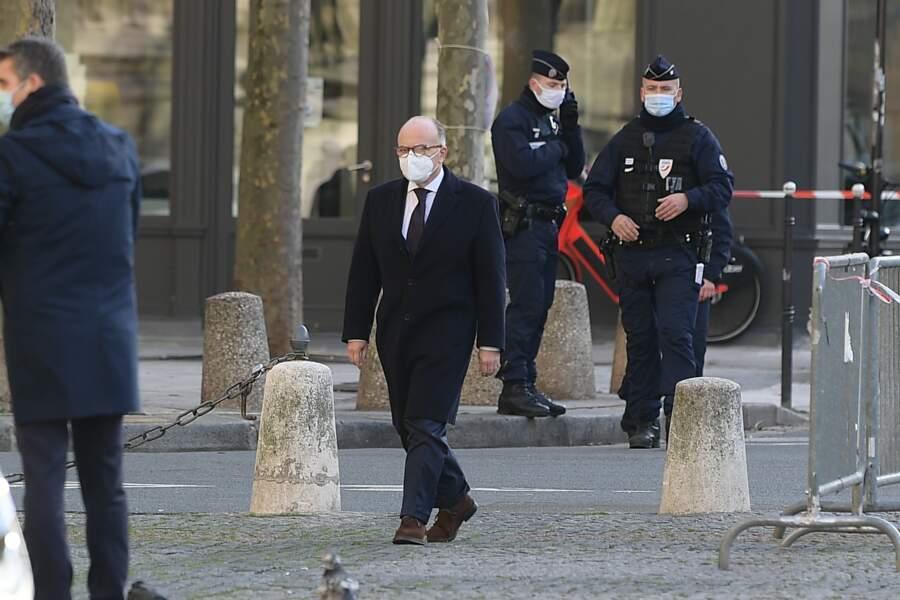Bernard Cazeneuve s'est, lui aussi, rendu à l'église Saint-Sulpice pour un ultime adieu à Marielle de Sarnez