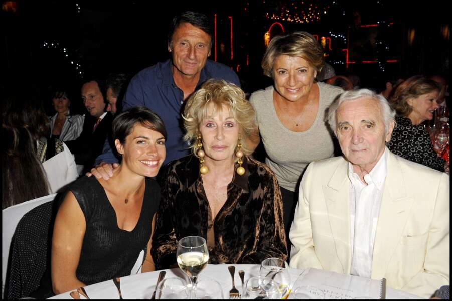 Alessandra Sublet, ses parents, Nicole Sonneville et Charles Aznavour, à Arles, en mai 2010