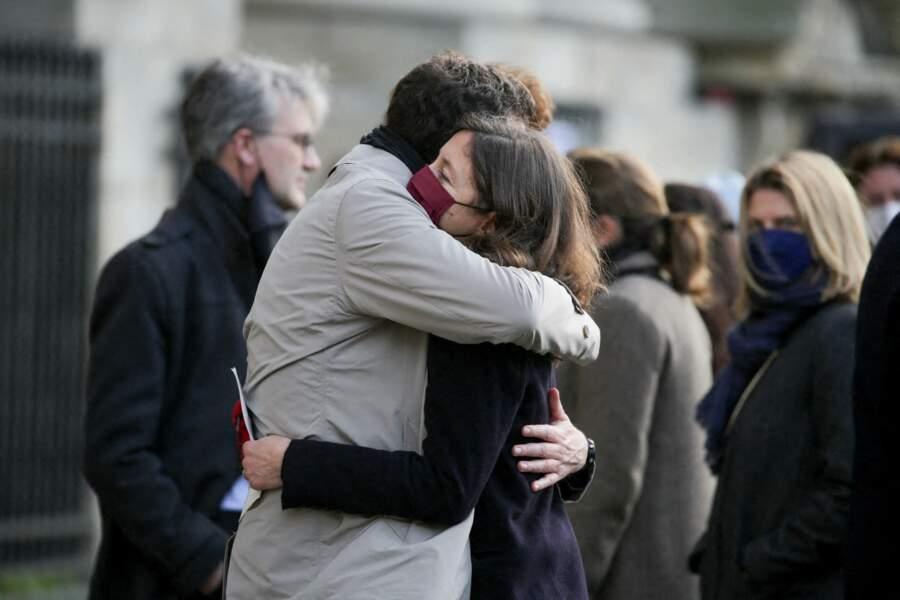 Pour sa maman, Marielle de Sarnez, la romancière Justine Augier était aussi au rendez-vous avec les politiques ce lundi 18 janvier