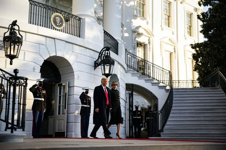 Pour l'occasion, c'est toute de noir vêtue qu'est apparue Melania Trump