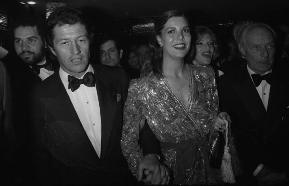Le divorce de Caroline de Monaco et Philippe Junot (photographiés ici au Lido de Paris le 25 avril 1979) a été prononcé le 9 octobre 1980