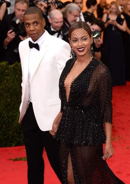 Beyoncé est d'ailleurs la moitié d'un des plus célèbres power couples avec Jay-Z (ci-dessus au Met Gala de New York le 5 mai 2014)