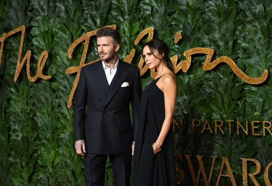 David Beckham et Victoria Beckham (ci-dessus aux British Fashion Awards du 10 décembre 2018) forment eux aussi un couple de pouvoir connu mondialement