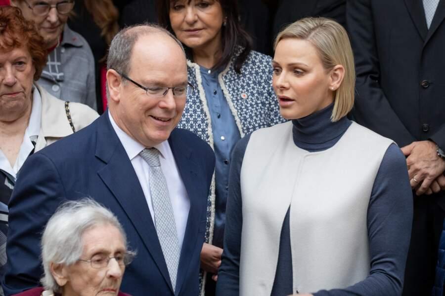 Charlène de Monaco et le prince Albert au bureau de la Croix-Rouge monégasque le 15 novembre 2019