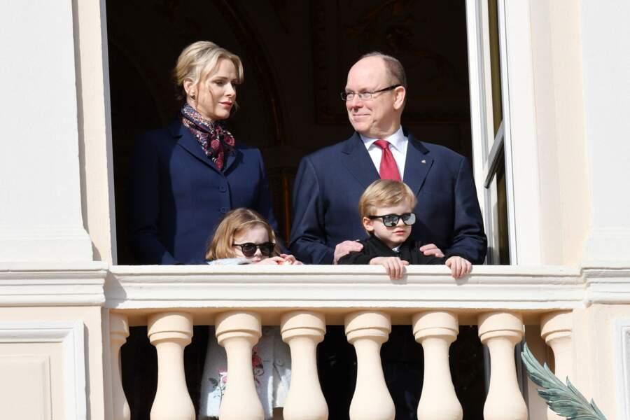 Charlène de Monaco et le prince Albert sur le balcon du palais princier le 27 janvier 2020