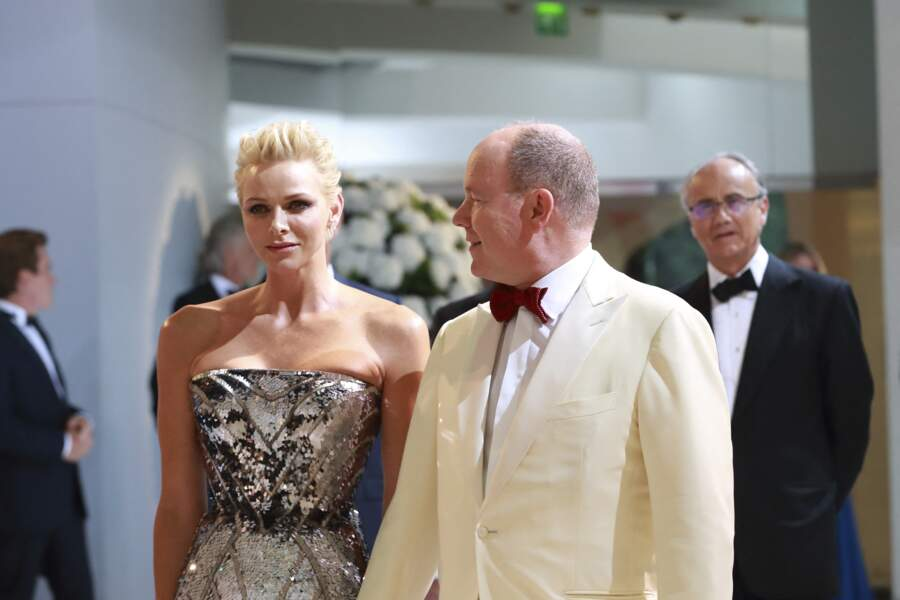 Charlène de Monaco et le prince Albert au Gala de la Croix-Rouge monégasque le 28 juillet 2017