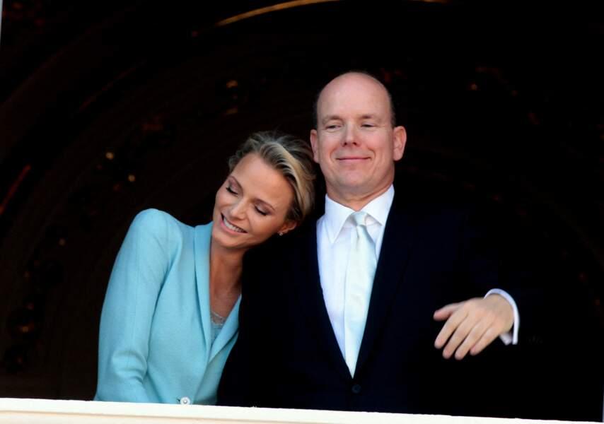 Charlène de Monaco et le prince Albert au balcon du palais princier le 1er juillet 2011