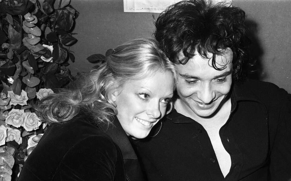 Michel Sardou et sa femme Francoise Pettré lors du premier Olympia du chanteur le 3 novembre 1971