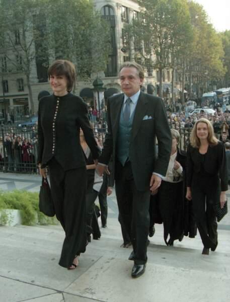 Anne-Marie Périer et son mari Michel Sardou au mariage de Romain Sardou et Francesca Gobbi en l'église La Madeleine à Paris le 16 octobre 1999
