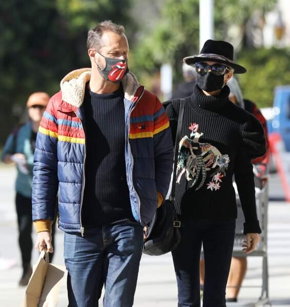 Laeticia Hallyday dans les rues de Los Angeles avec son frère Grégory Boudou, le 24 janvier 2021