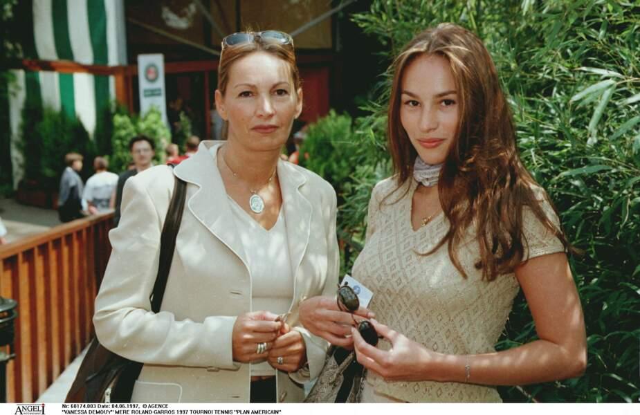 Vanessa Demouy et sa mère Catherine Demouy à Roland-Garros en 1997