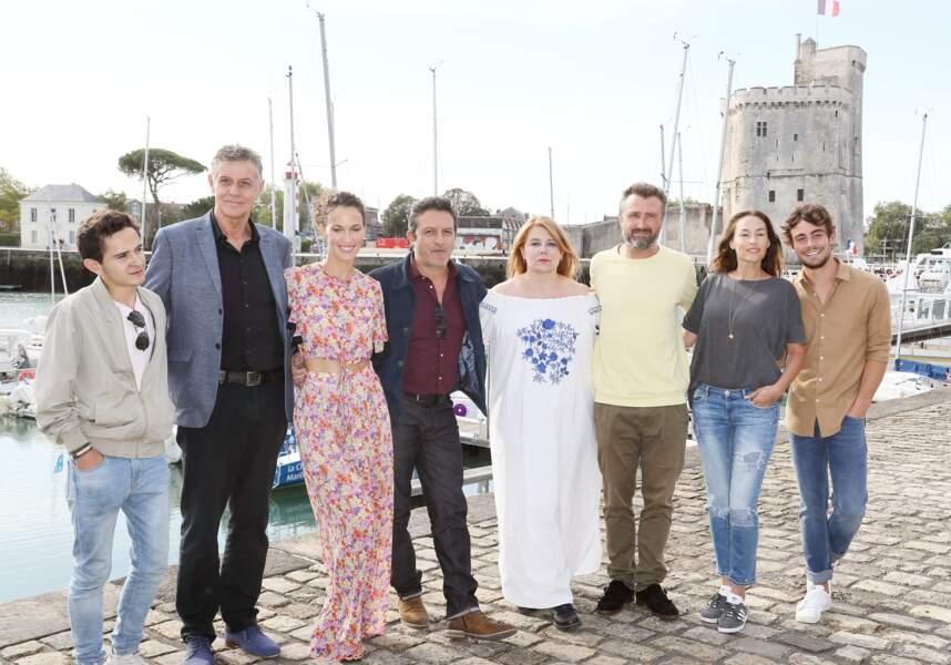 Vanessa Demouy aux côtés des autres stars de Demain nous appartient au Festival de la Fiction TV de la Rochelle le 14 septembre 2019
