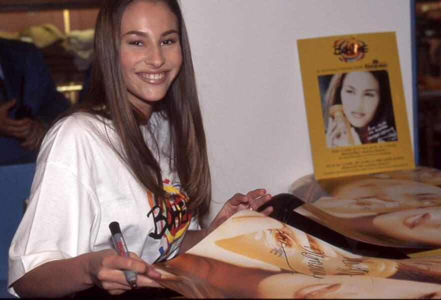 Vanessa Demouy, ici lors d'une séance de dédicaces en 1996