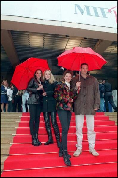 Vanessa Demouy, Christine Lemler, Olivier Carreras et Cachou à Cannes en 1994