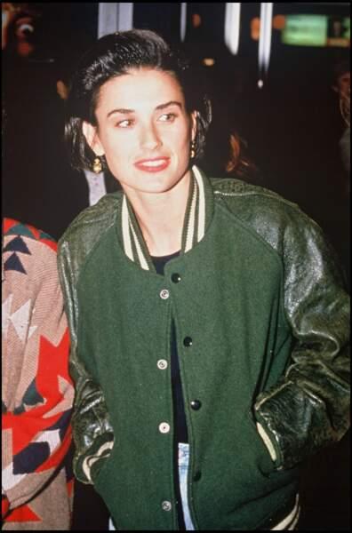Demi Moore, rebelle, en 1990, lors d'une soirée à Hollywwod. Sort la même année le film qui va la révéler, Ghost. Elle a 28 ans.