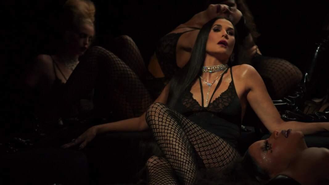 """Jamais à court de défis, Demi Moore s'est montrée plus sexy que jamais pour la collection automne-hiver 2020 """"Savage X Fenty"""" de Rihanna, présentée en octobre 2020."""