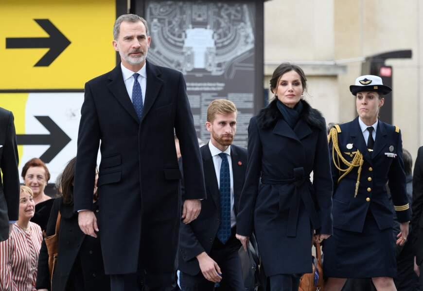 Le roi Felipe VI d'Espagne, la reine Letizia lors de la cérémonie à l'occasion de la première journée nationale d'hommage aux victimes du terrorisme sur l'Esplanade du Trocadero à Paris le 11 mars 2020