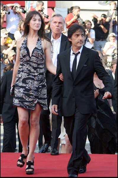 Charlotte Gainsbourg et Yvan Attal montent les marches de Cannes pour Coco Chanel et Igor, au 62e Festival en 2009