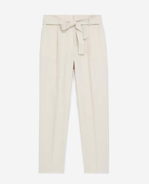 Pantalon de costume beige, 225 €, Tina For Vincent pour The Kooples