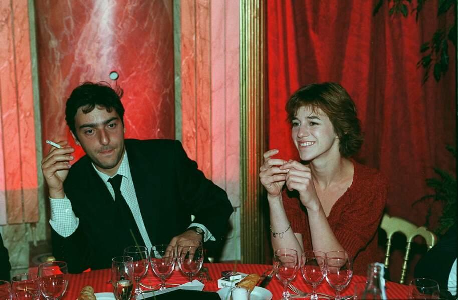 Charlotte Gainsbourg et Yvan Attal à la soirée Revlon lors du Festival de Deauville en 1996