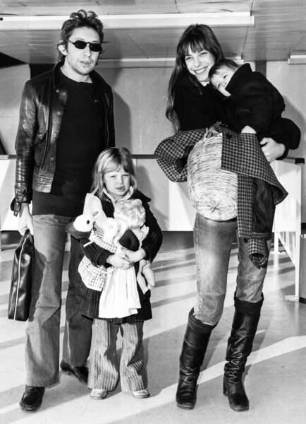 Serge Gainsbourg, Jane Birkin, Kate Barry et Charlotte Gainsbourg.