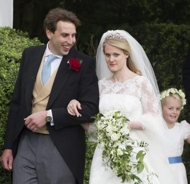 Emily McCorquodale et son mari James Hutt lors de leur union le 9 juin 2012 à Stoke Rochford