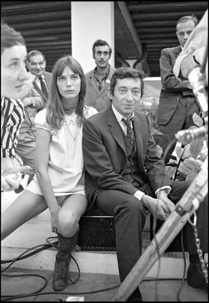 Serge Gainsbourg et Jane Birkin se rapprochent doucement sur le tournage du film de Pierre Grimblat.