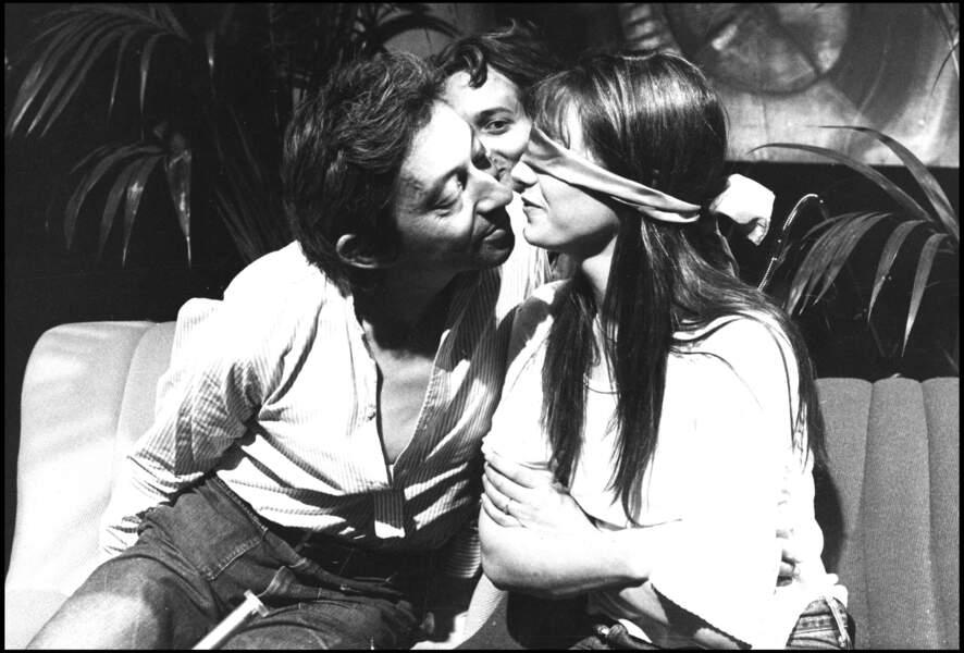 Serge Gainsbourg et Jane Birkin sur un plateau de télévision en 1975.